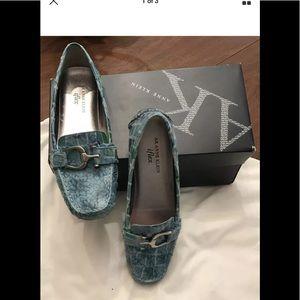 "Women's ""Ann Klein"" blue leather flat shoes new"